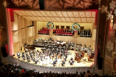 Oregon Chorale performs with Oregon Symphony in December 2017